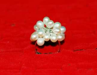 White Pearl Ring Silver