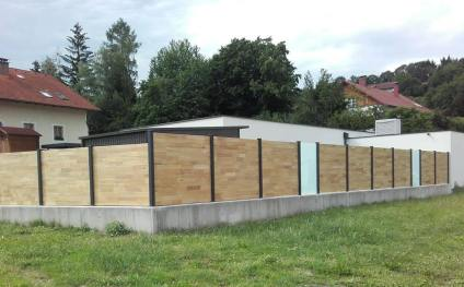 fence flat wood and glass panels 2