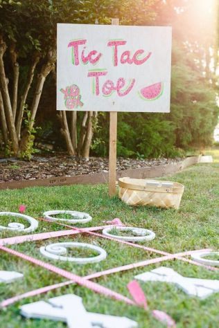 Outdoor Tic-Tac-Toe Yard Game with Watermelon Theme – shared on Project Nursery
