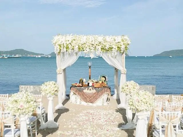 Beach Club Wedding F And M 11