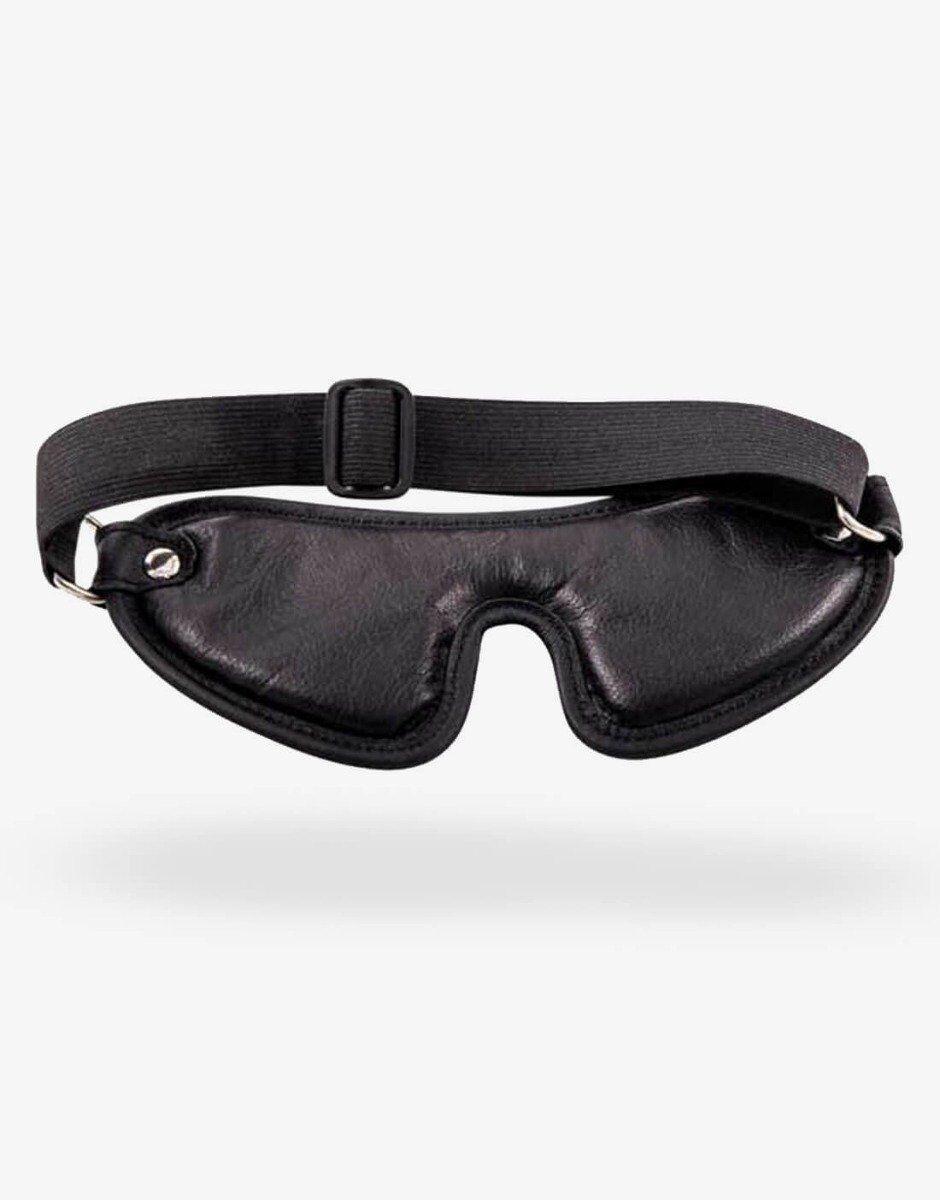 Spændet der sidder i nakken på et polstret blindfold gør det nemt og enkelt at justere i størrelsen