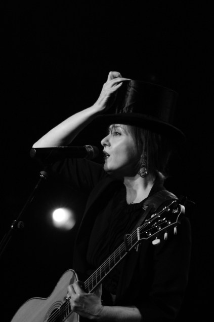 Suzanne Vega le 8 juillet 2014, Paris. (photo : Coralie Houillon)