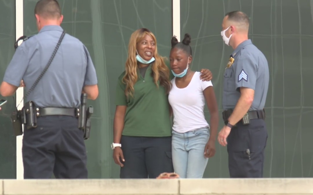 Black Single Mom with $7 to Her Name Donates Lottery Winnings to Police Officer Shot on Duty