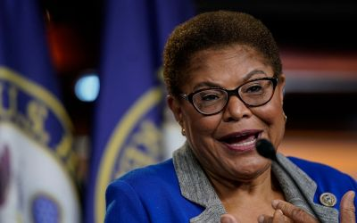 Karen Bass Denies Links To Nation Of Islam, Despite Photos And Event Appearances, But Doesn't Disavow Radical Group