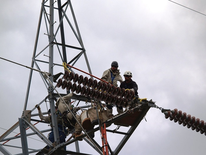Californians Face Thanksgiving Restrictions on Top of Possibly Having Their Power Shut Off