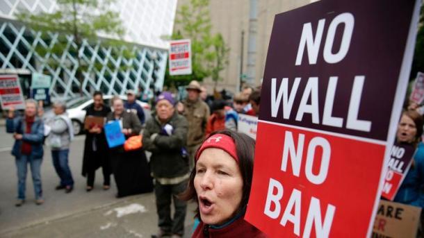 (Jason Redmond / AFP/Getty Images)