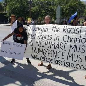 Cientos de manifestantes se congregan en L.A. para repudiar la violencia neonazi