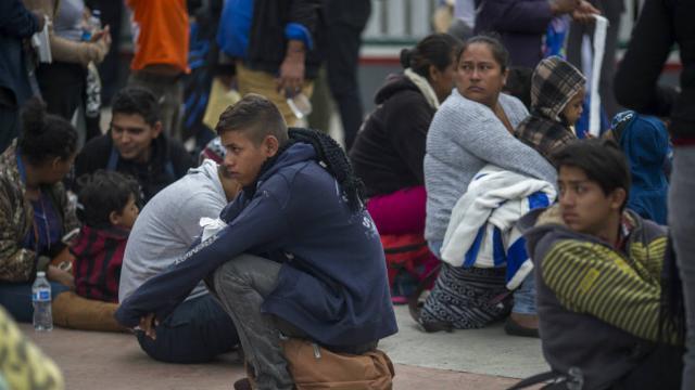 bordermigrantcaravan_043018getty.jpg