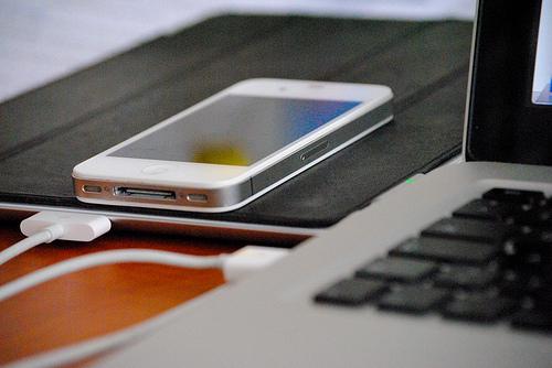 Im Trend: Im Trend: Arbeiten auf allen Kanälen und mit allen Geräten. (Foto: Jakubetz)