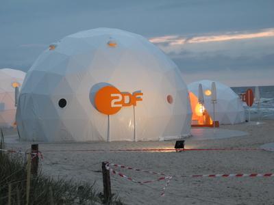 Kein Hort der Sicherheit mehr: Auch das ZDF muss in den kommenden Jahren bis zu 400 Stellen abbauen. (Foto: Heike/pixelio.de)