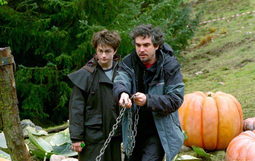 Alfonso directs Daniel with the Buckbeak Scene - Behind the scenes of Prisoner of Azkaban
