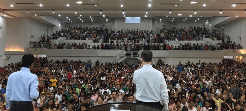 Conozca el inicio de la Universal en Filipinas