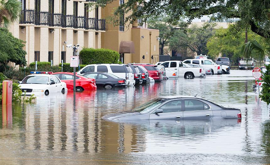 ¿Atrapado en una inundación? Te decimos qué hacer