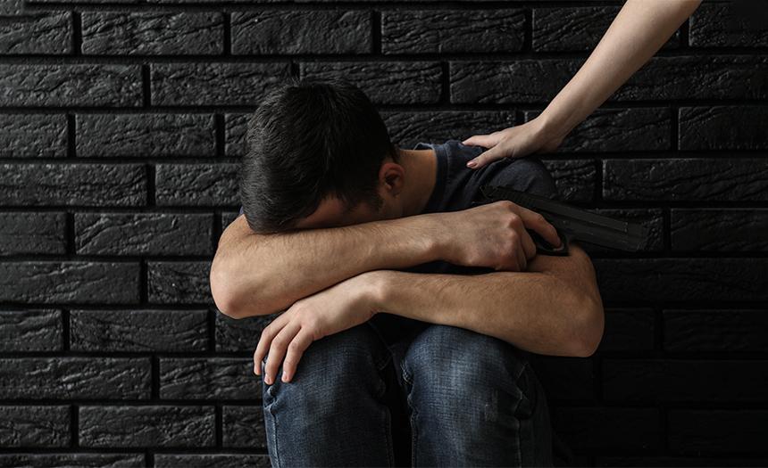 Señales de advertencia: ¿cómo saber si una persona planea suicidarse?
