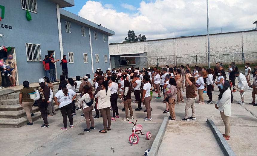 UEC entrega donaciones en Ceresos de Chiapas y Pachuca