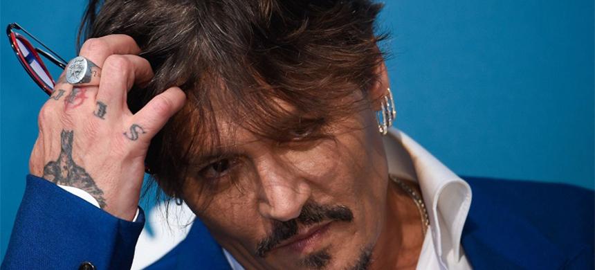 Encuentran a Johnny Depp desmayado después de consumir cocaína