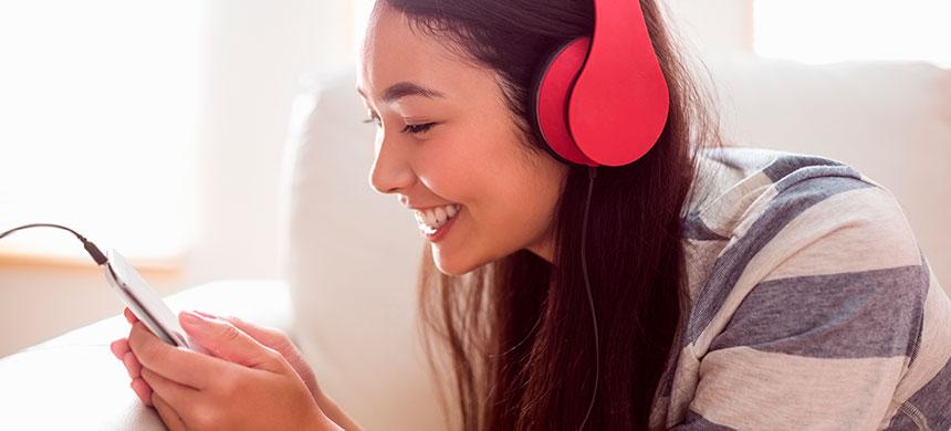 Los smartphones ocasionan el crecimiento de cuernos en los jóvenes