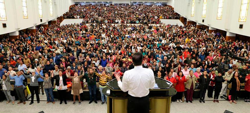 Viernes: Velada del Espíritu Santo