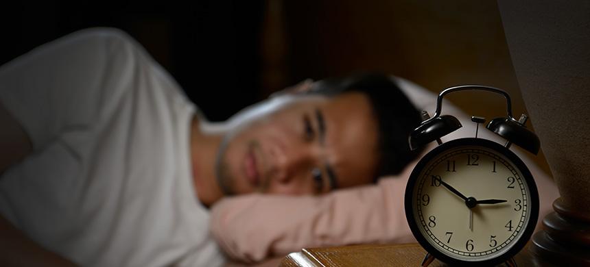 Dormir mal aumenta el 27 % de probabilidad de obesidad e hipertensión