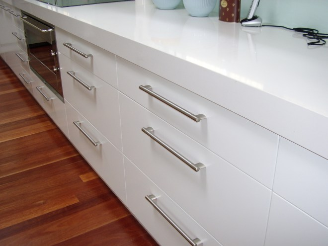 Kitchen Drawers with easy grip handles