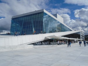 picture of a modern building Norway Opera House.