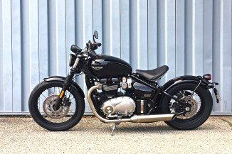 triumph-bobber-general