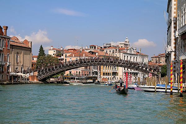 Ponte dell'Accademia, Canal Grande. Art Destination Venice