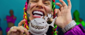 Read more about the article 6ix9ine : le « King Of Social Media » ou comment vendre son merch