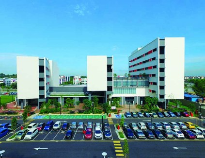 Side view of Subang 2 campus and carpark