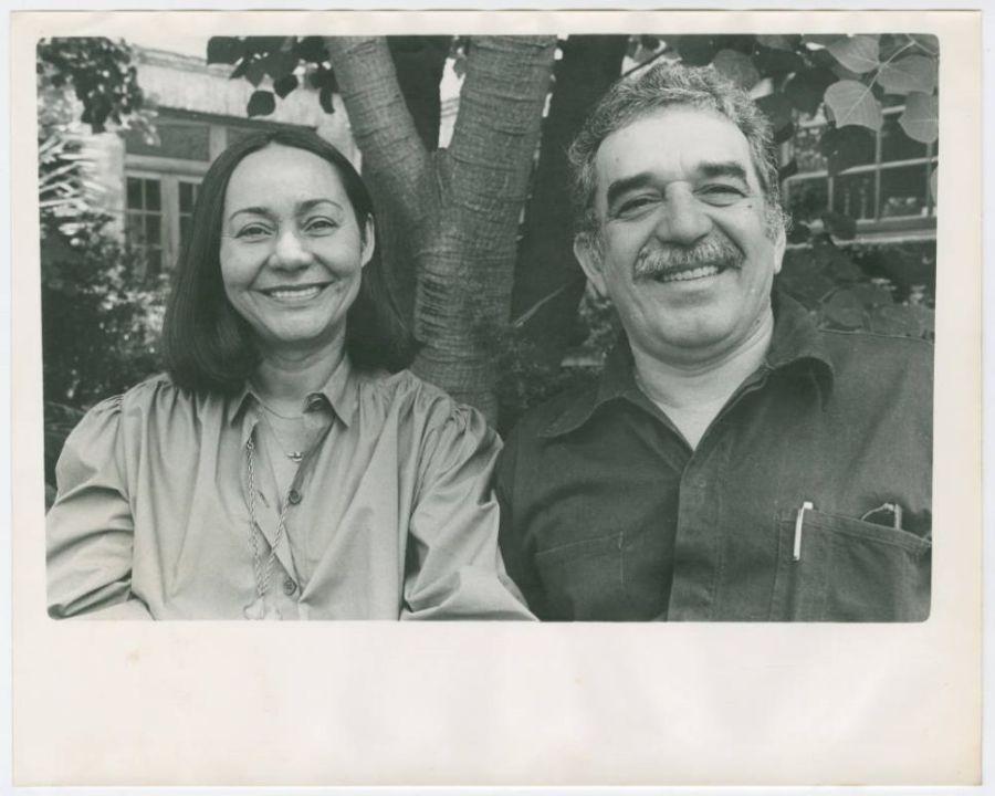 Foto de Gabriel García Márquez con su esposa, Mercedes Barcha
