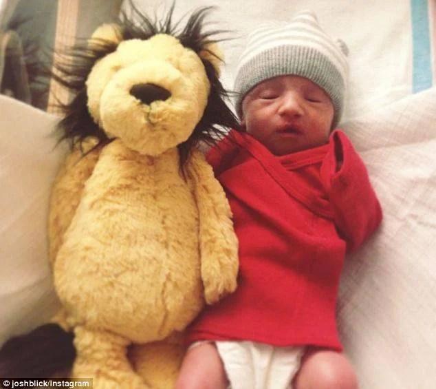 neonato e orsetto