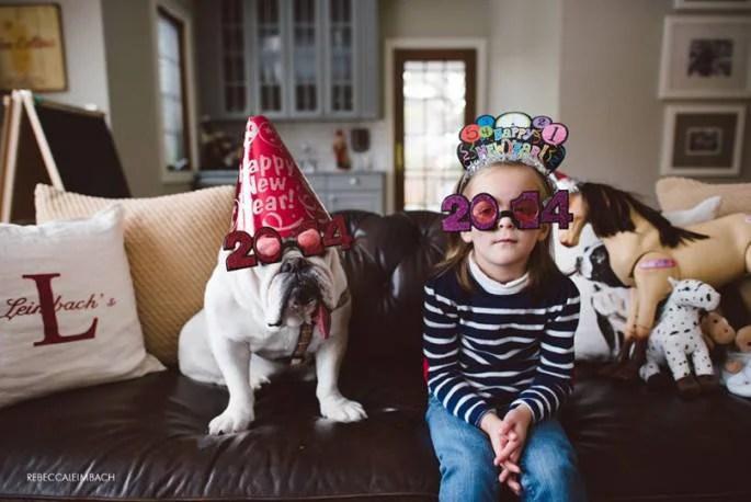 bimba con occhiali 2014 e cane