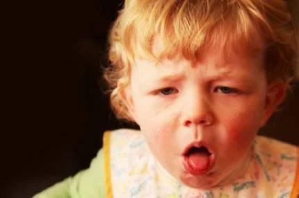 bambino tossisce
