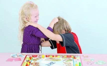 bambini-litigano