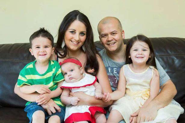 famiglia cinque persone