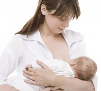 allattamento al seno mamma figlio