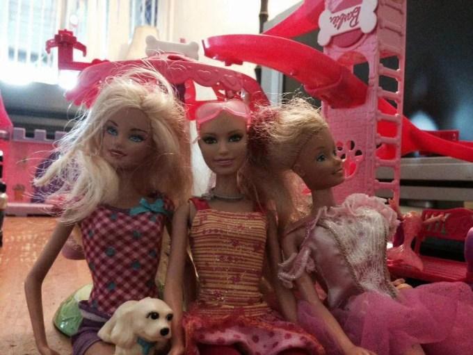 Ella e le Barbie