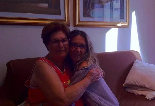 Madre e figlia si ritrovano