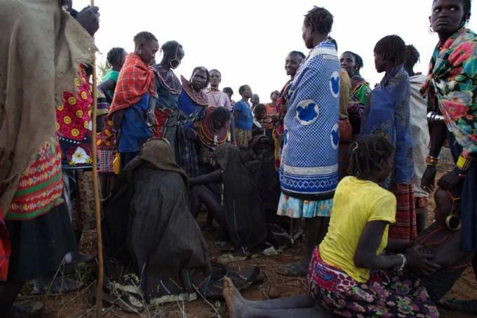 ragazze africane attendono infibulazione