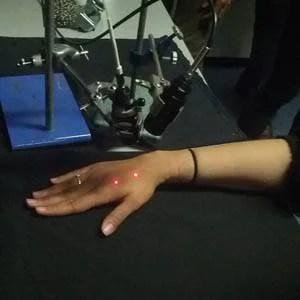 mano punta da laser