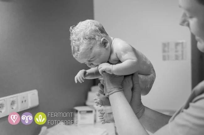 neonato curvo