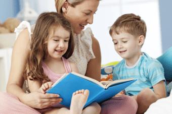 Confira algumas dicas simples que podem contribuir para que os livros integrem o dia a dia da criança de forma natural: