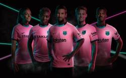 Asisat Oshoala models new Barcelona kit for 2020/21 League season.