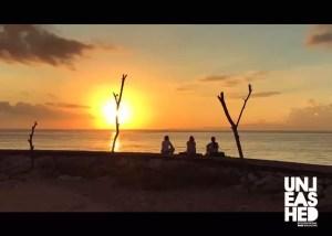 women-wakeboarding-trip-to-bali