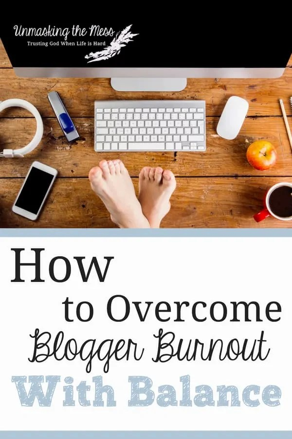 The Best Ways to Avoid Blogger Burnout. Burnout doesn't happen overnight. We need to be aware when we're heading down this wrong road so we can turn around and get back into balance. #burnout #recovery #emotional #physical #symptoms