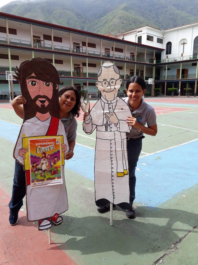 Ideas para Rezar el Rosario con los Niños y jóvenes en este 2020