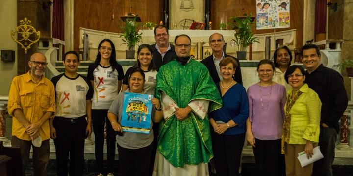 Consejo Nacional de Laicos de Venezuela celebró XV aniversario de Un millón de Niños rezando el rosario