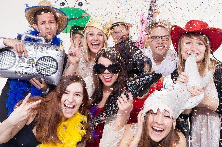 Como hacer una fiesta de disfraces genial
