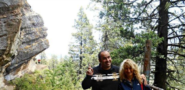 Con mi mami y atrás nuestro la Cabeza del Indio.