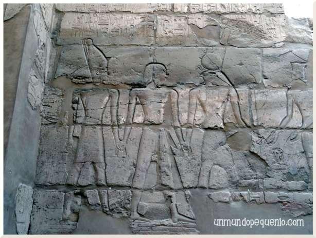 Templo de Karnak jeroglíficos